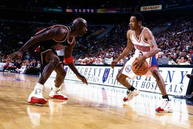 Hi-res-1753355-allen-iverson-of-the-philadelphia-76ers-faces-off-at-the_crop_650