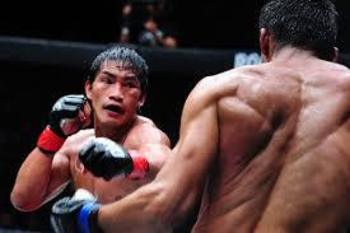 Filipino MMA fighter and wushu champion Eduard Folayang. (Photo credit: MMA Weekly)