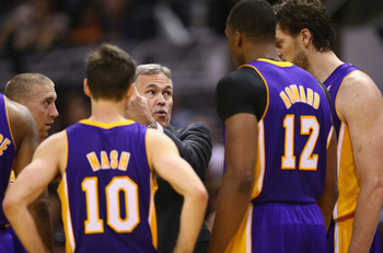 LA Lakers huddle