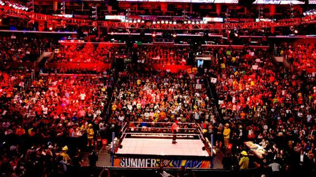 Summerslam2013arena3_crop_650