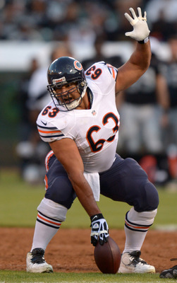 Roberto Garza will once again anchor the Bears' offensive line in 2013.