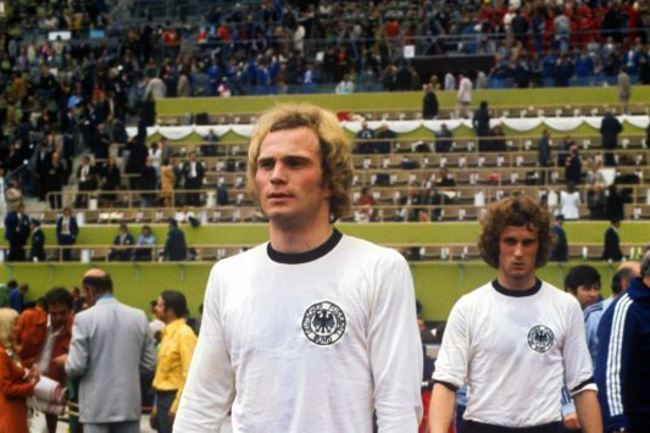Soccer-world-cup-1974-west-germany-second-round-west-germany-v-poland-waldstadi_crop_650