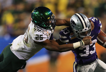 LB Boseko Lokombo makes a play in the Fiesta Bowl