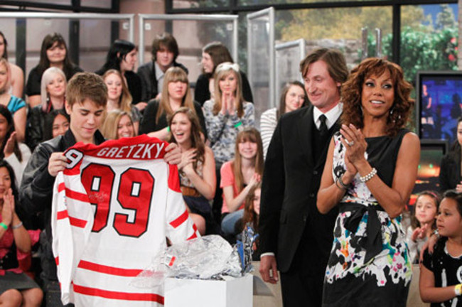 Wayne-gretzky-and-justin-bieber_crop_650