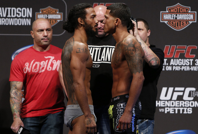 039_benson_henderson_and_anthony_pettis_gallery_post_crop_650x440