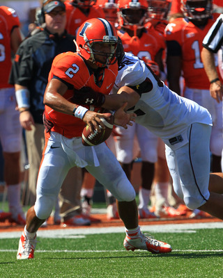 Illinois QB Nathan Scheelhaase