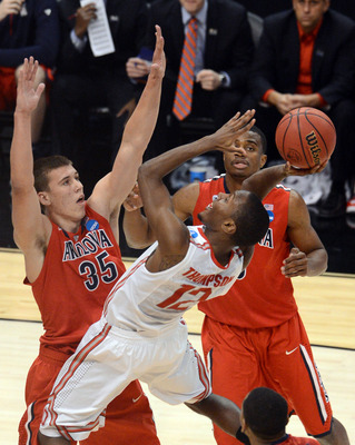 Arizona's Kaleb Tarczewski (No. 35) had 23 blocks as a freshman.
