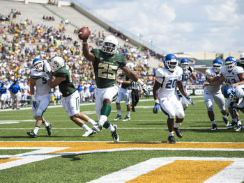 Lache Seastrunk leads the nation with five touchdowns this season.