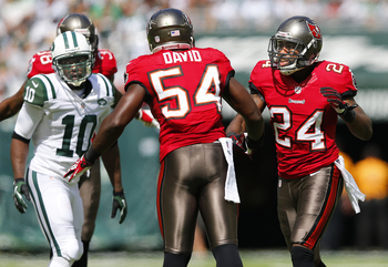 Lavonte David's personal foul near game's end overshadowed his first-half interception.