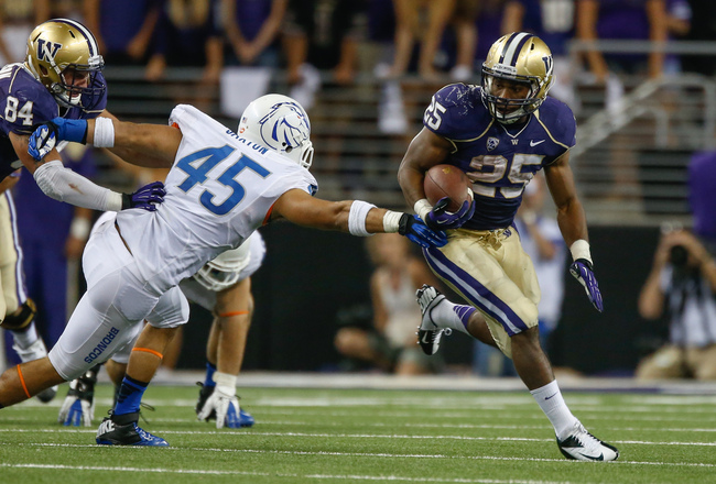 SEATTLE, WA - AUGUST 31: Running back Bishop Sankey #25 of the Washington Huskies rushes against the Boise State Broncos on August 31, 2013 at Husky Stadium in Seattle, Washington. (Photo by Otto Greule Jr/Getty Images)