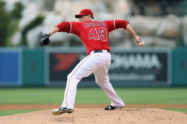 ANAHEIM, CA - SEPTEMBER 02:  Garrett Richards #43 of the Los Angeles Angels of Anaheim pitches against the Tampa Bay Rays at Angel Stadium of Anaheim on September 2, 2013 in Anaheim, California.  (Photo by Jeff Gross/Getty Images)