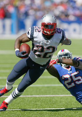 Stevan Ridley rushes against the Buffalo Bills