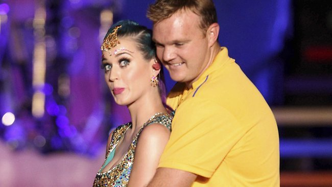 059033-katy-perry-and-doug-bollinger_crop_650