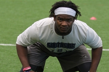 Illinois prospect Clifton Garrett is likely to sign with an SEC team. (247Sports)