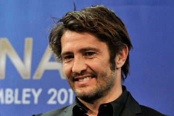 Hi-res-166887647-bixente-lizarazu-of-fc-bayern-munchen-looks-on-after_display_image