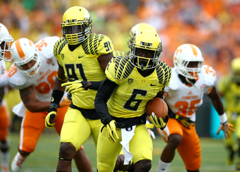 Hi-res-181172949-deanthony-thomas-of-the-oregon-ducks-runs-the-ball_display_image