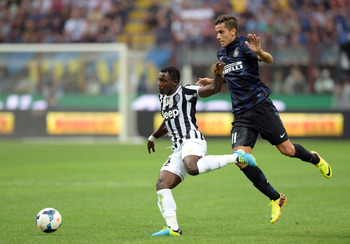 Hi-res-180534189-kwadwo-asamoah-of-juventus-and-ricardo-alvarez-of-fc_display_image