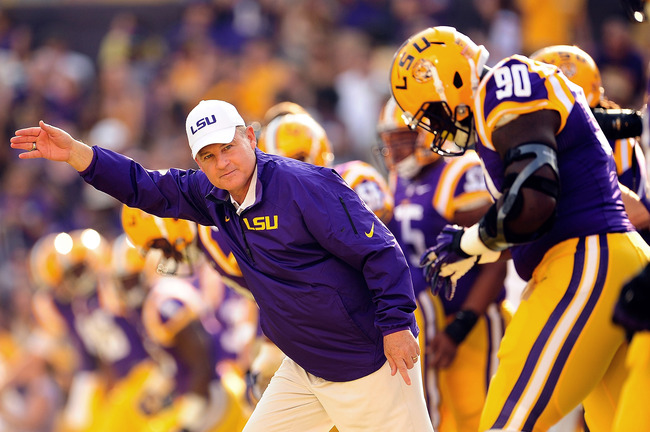 Hi-res-180586448-les-miles-head-coach-of-the-lsu-tigers-takes-the-field_crop_650