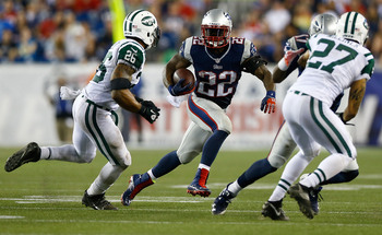 Hi-res-180436482-stevan-ridley-of-the-new-england-patriots-carries-the_display_image