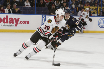 Hi-res-134722103-dave-bolland-of-the-chicago-blackhawks-handles-the-puck_display_image