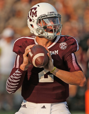 Hi-res-180887663-johnny-manziel-of-texas-a-m-aggies-drops-back-to-pass_display_image