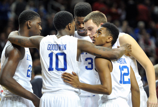 Hi-res-156264774-alex-poythress-archie-goodwin-ryan-harrow-kyle-wiltjer_crop_650x440