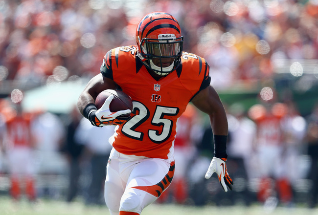 Hi-res-181577280-giovani-bernard-of-the-cincinnati-bengals-runs-for-a_crop_650x440