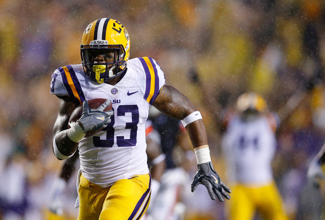 Hi-res-181484196-jeremy-hill-of-the-lsu-tigers-runs-for-a-touchdown_crop_650x440