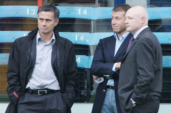 Hi-res-51213115-manager-of-chelsea-jose-mourinho-with-chelsea-owner_crop_650