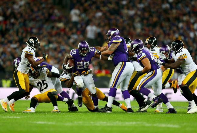 Hi-res-182532709-running-back-adrian-peterson-of-the-minnesota-vikings_crop_650x440