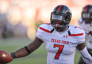 Hi-res-181515588-will-smith-of-the-texas-tech-red-raiders-recovers-a_display_image