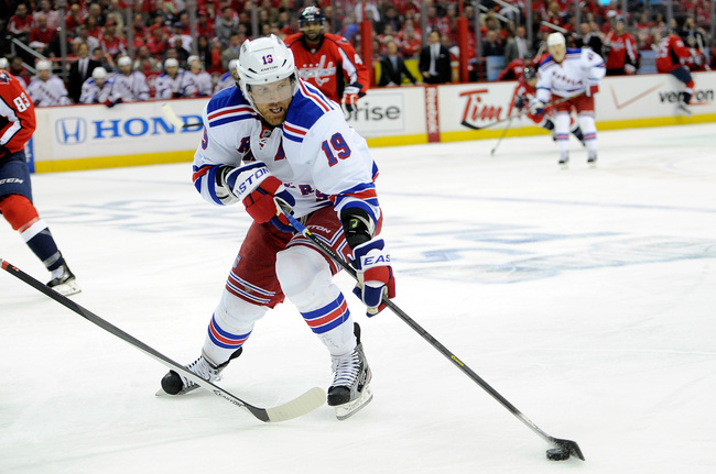 Hi-res-168687559-brad-richards-of-the-new-york-rangers-brings-the-puck_crop_650