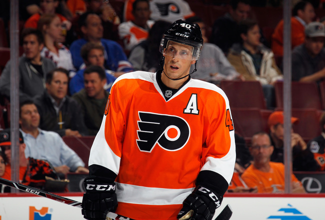 Hi-res-180961010-vincent-lecavalier-of-the-philadelphia-flyers-skates_crop_650x440