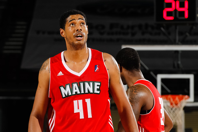Hi-res-158751357-fab-melo-of-the-maine-red-claws-looks-to-the-scoreboard_crop_650