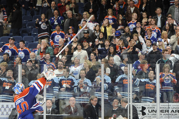 Hi-res-167693534-goalie-devan-dubnyk-of-the-edmonton-oilers-throws-his_display_image