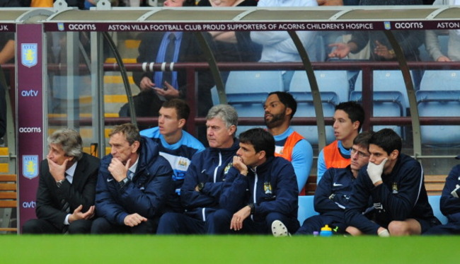 182110345-manchester-city-manager-manuel-pellegrini-and-his-bench_crop_650