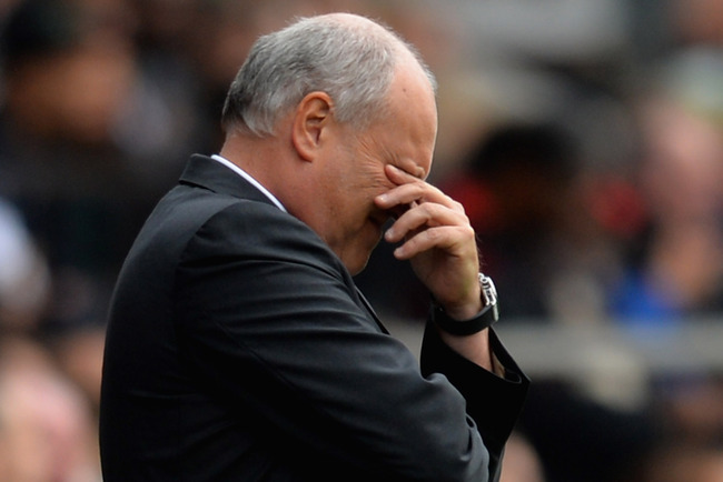 Hi-res-182109643-manager-martin-jol-of-fulham-looks-dejected-during-the_crop_650