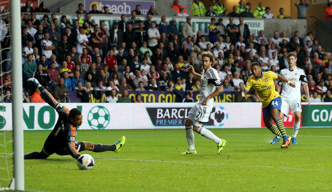 Hi-res-182118373-serge-gnabry-of-arsenal-scores-their-first-goal-during_crop_650