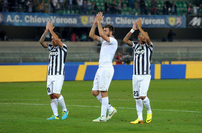 Hi-res-181807065-juventus-players-applaud-fans-after-the-serie-a-match_crop_650