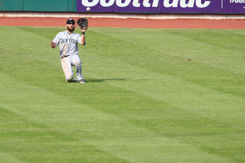 Hi-res-180651334-dustin-ackley-of-the-seattle-mariners-catches-a-fly_display_image