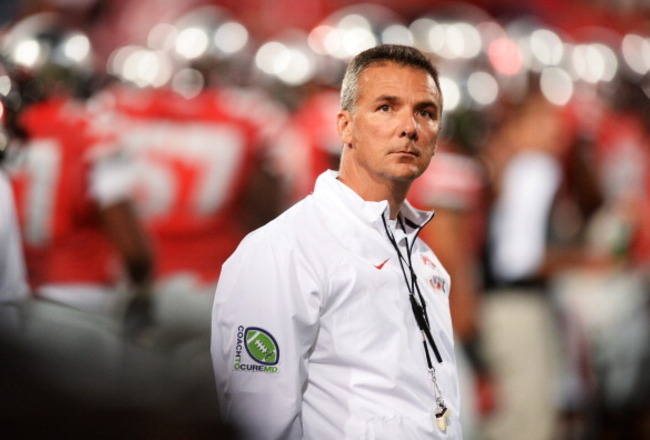 182240427-head-coach-urban-meyer-of-the-ohio-state-buckeyes_crop_650x440