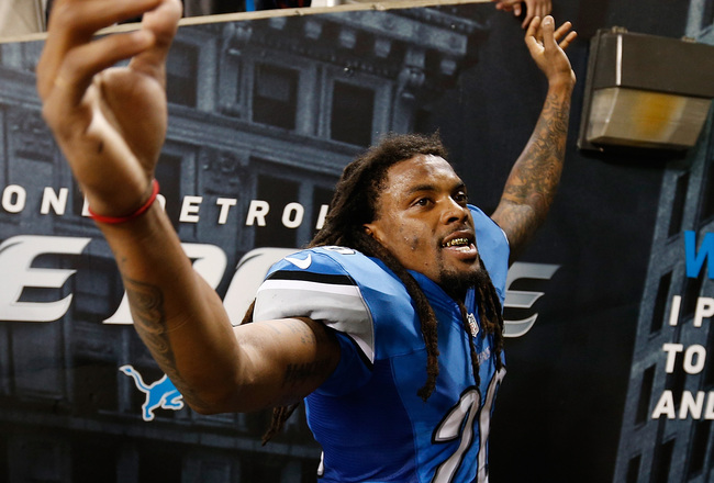 Hi-res-182322867-louis-delmas-of-the-detroit-lions-celebrates-a-40-32_crop_650x440