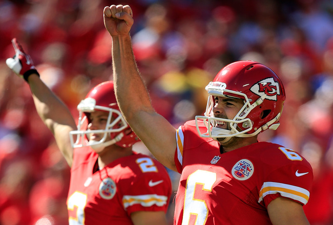 Hi-res-182322528-kicker-ryan-succop-and-punter-dustin-colquitt-of-the_crop_650x440