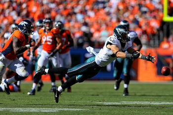 Hi-res-182445050-zach-ertz-of-the-philadelphia-eagles-drops-a-pass_display_image