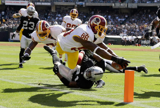 Hi-res-182407173-pierre-garcon-of-the-washington-redskins-dives-for-the_crop_650
