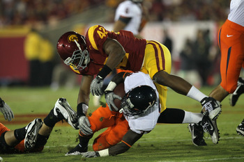 Hi-res-104092890-linebacker-devon-kennard-of-the-usc-trojans-tackles_display_image