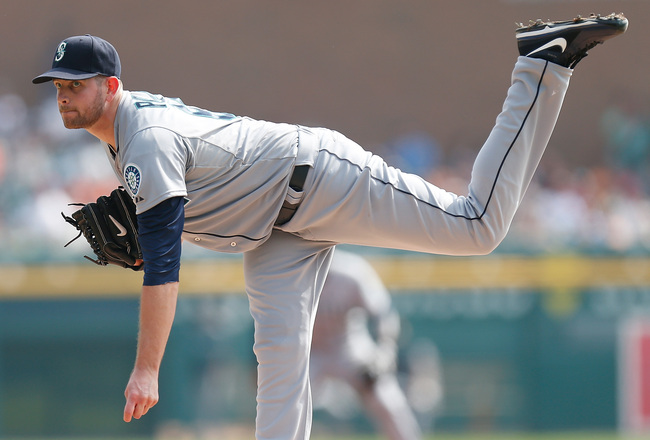 Hi-res-181170725-james-paxton-of-the-seattle-mariners-throws-a-first_crop_650x440