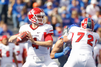 Hi-res-154080634-derek-carr-of-the-fresno-state-bulldogs-looks-for-a_display_image