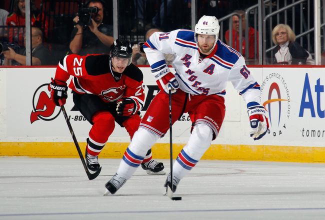 Hi-res-180947397-rick-nash-of-the-new-york-rangers-skates-against-the_crop_650x440