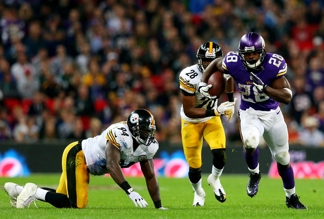 Hi-res-182322932-running-back-adrian-peterson-of-the-minnesota-vikings_crop_650x440